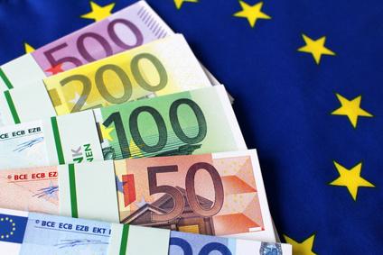Umschuldung: Jetzt Kredit umschulden und kräftig Zinsen sparen