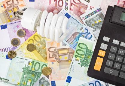 Stromrechner: Jetzt Stromvergleichsrechner nutzen und bis zu 720€ sparen!